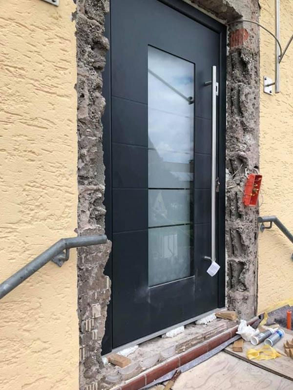 Einbau Eingangstüre, Bauelemente Zachmann